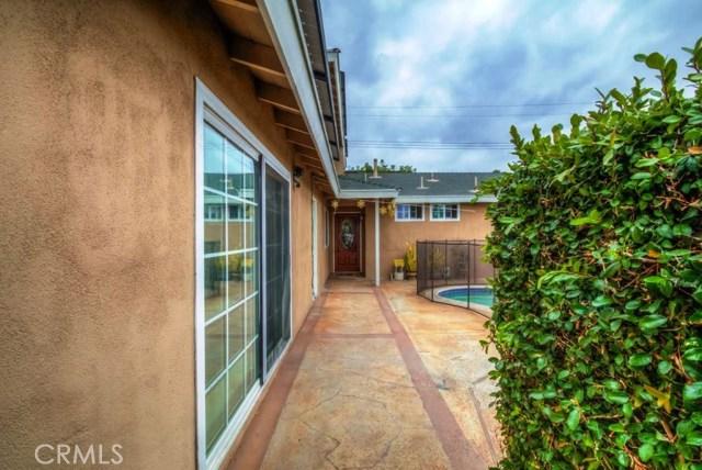 900 S Hayward St, Anaheim, CA 92804 Photo 2