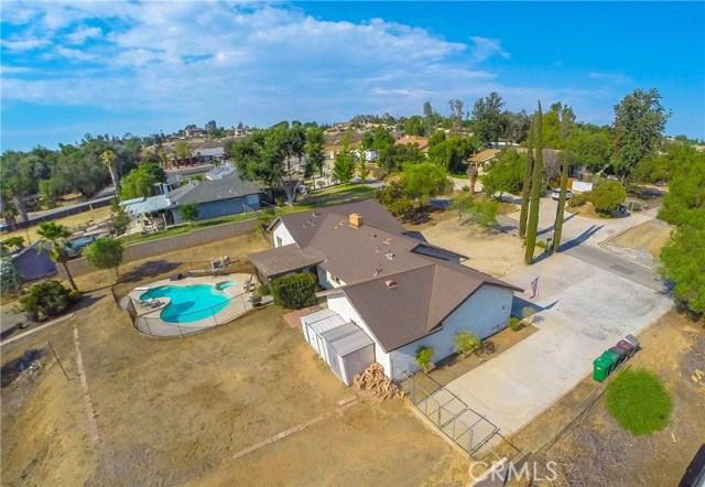 16415 Holcomb Way, Riverside CA: http://media.crmls.org/medias/47f6378d-0691-468c-98fb-4ce6d42488d8.jpg