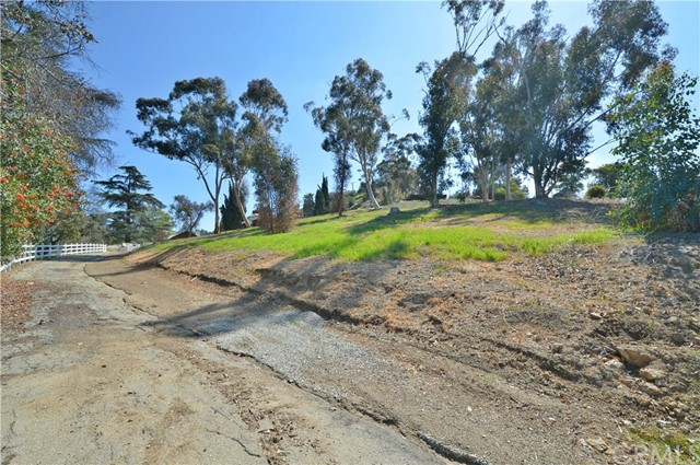 402 E De Anza Heights San Dimas, CA 0 - MLS #: CV18046040