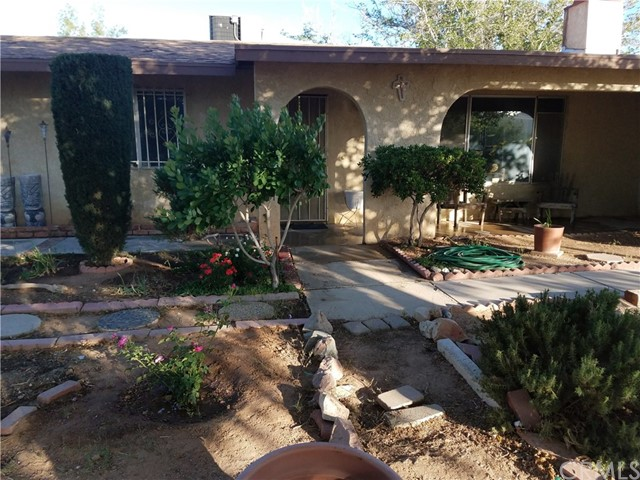 20745 Zuni Road, Apple Valley, CA, 92307