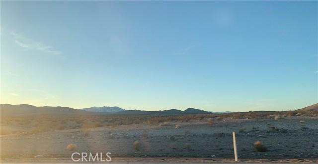 5860615 Onaga, Yucca Valley CA: http://media.crmls.org/medias/48004aa0-ae8b-4326-94fe-5ecf73944a21.jpg