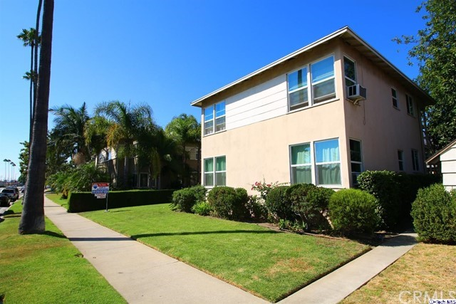 947 949 W Glenoaks Boulev Glendale, CA 91202 is listed for sale as MLS Listing 317006054
