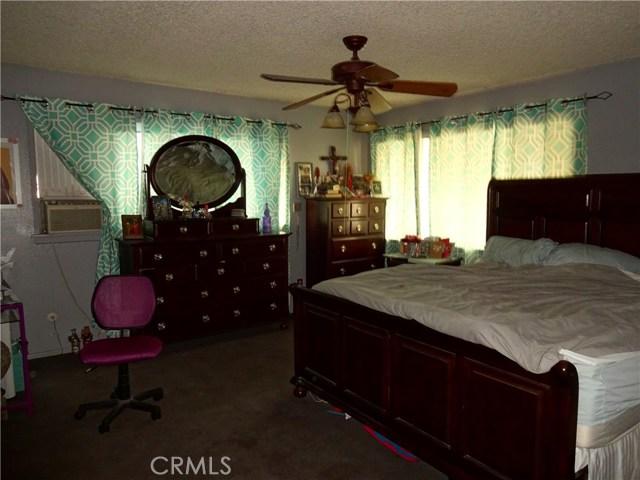 529 W Santa Cruz Street, San Pedro CA: http://media.crmls.org/medias/48089d9e-6da6-464b-a839-46da944cb0a7.jpg