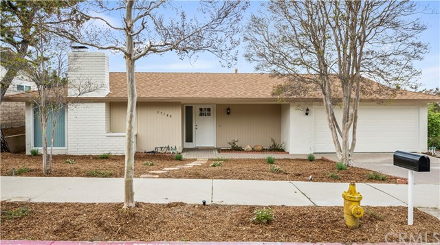 Detail Gallery Image 1 of 25 For 17188 Gunther St, Granada Hills,  CA 91344 - 4 Beds | 1 Baths