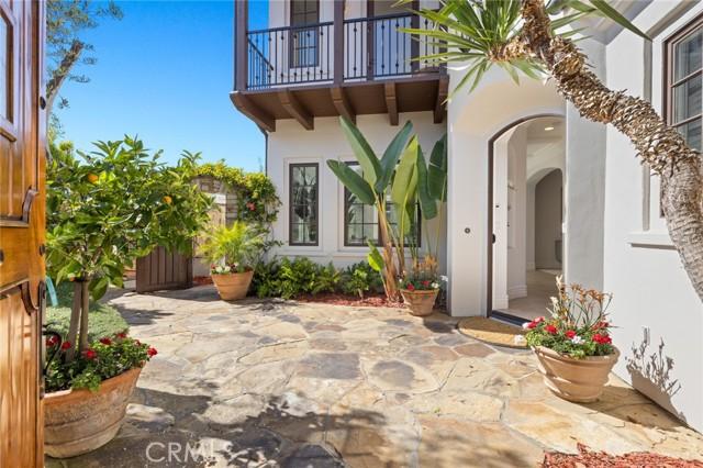 26 Sandy Cove, Newport Coast CA: http://media.crmls.org/medias/4818effe-588d-4354-9c8c-674911fefa98.jpg