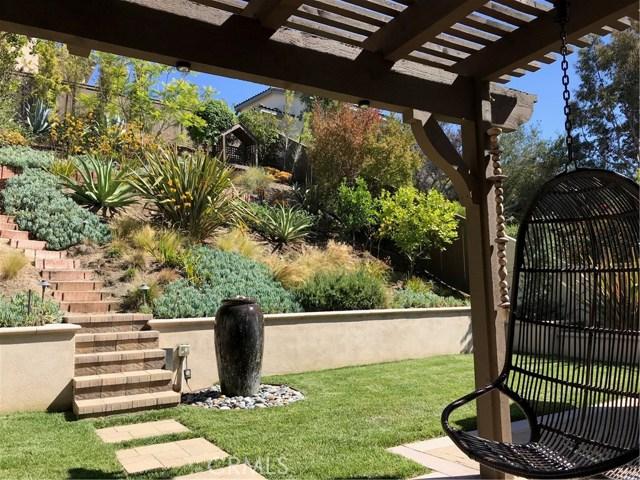 930 S Dylan Way, Anaheim Hills CA: http://media.crmls.org/medias/481bf259-8baa-47c8-b5c8-3f4c82845430.jpg