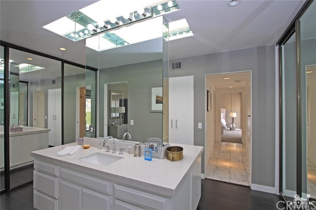 34868 Mission Hills Drive, Rancho Mirage CA: http://media.crmls.org/medias/483091ba-fd5e-468b-998d-a06ee4ed3b35.jpg