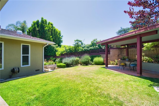 4941 Angeles Crest Hwy, La Canada Flintridge, CA 91011