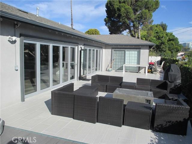 6008 S Chariton Avenue, Inglewood CA: http://media.crmls.org/medias/48554c85-ba26-4f69-9e23-bb7cc6cff0e1.jpg