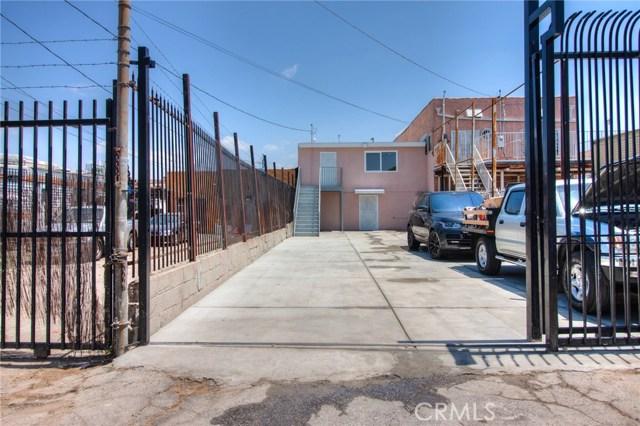 7817 S Western Avenue, Los Angeles CA: http://media.crmls.org/medias/485683ee-1a4a-4640-ae29-982608d536df.jpg