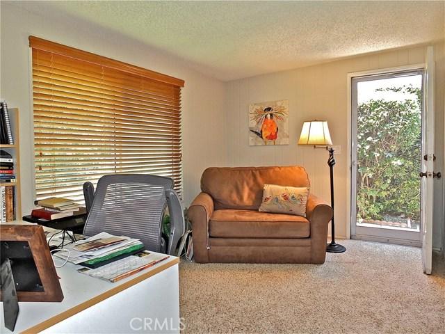 12661 Martha Ann Drive, Rossmoor CA: http://media.crmls.org/medias/485a6b60-9d25-428c-a83c-0f5021833931.jpg