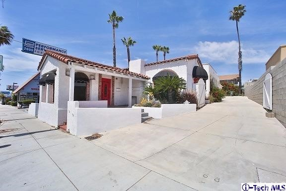 2611 Artesia Boulev Redondo Beach, CA 90278 is listed for sale as MLS Listing 317004244
