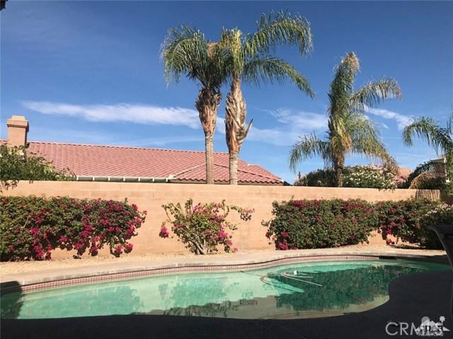 77528 Westbrook Court, Palm Desert CA: http://media.crmls.org/medias/485d89a9-0e3c-4701-846b-e068f3c67f7e.jpg