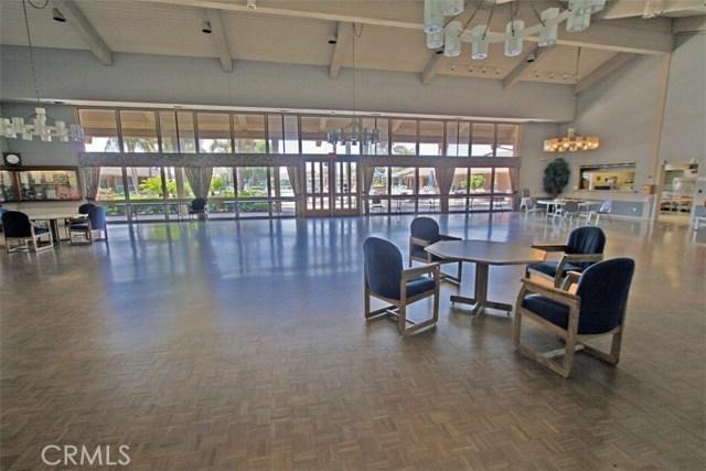 8856 Sutter Circle, Huntington Beach CA: http://media.crmls.org/medias/486ac3ef-ed43-4e37-b06d-3ca729480087.jpg
