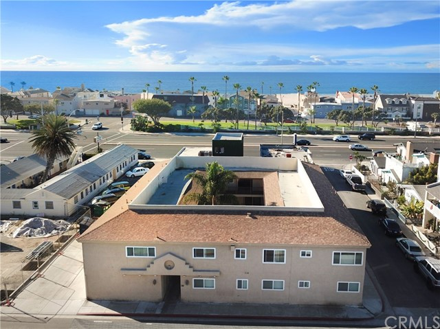 Photo of  Newport Beach, CA 92663 MLS PW18035825