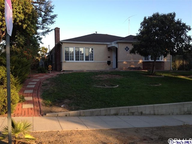 Single Family Home for Rent at 521 Sunset Canyon Drive N Burbank, California 91501 United States