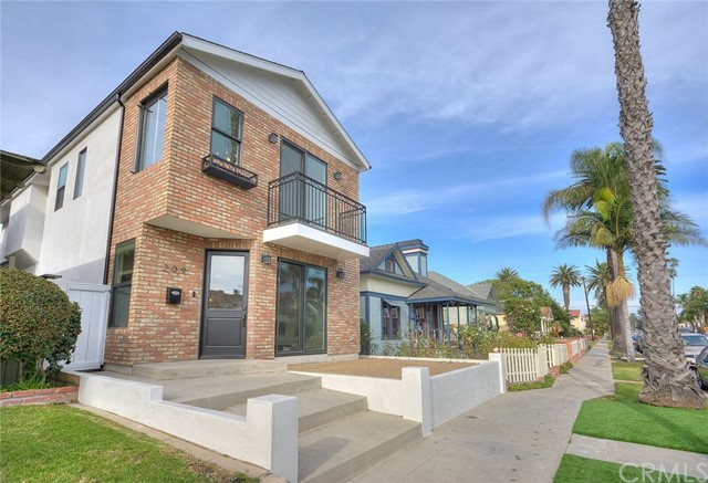 209 9th Street, Huntington Beach, CA, 92648