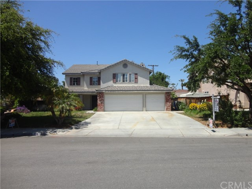 Single Family Home for Sale at 6983 Harvest Lane Riverside, California 92506 United States