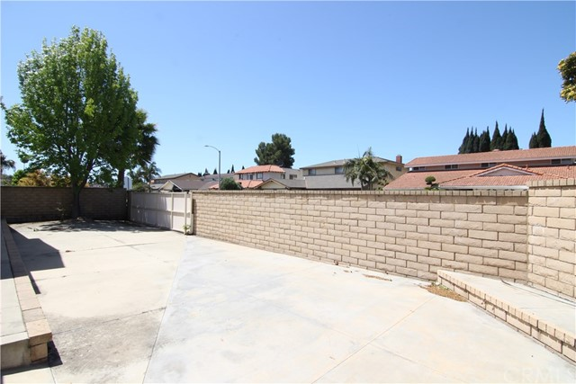 9049 Daffodil Avenue Fountain Valley, CA 92708 - MLS #: OC18173683