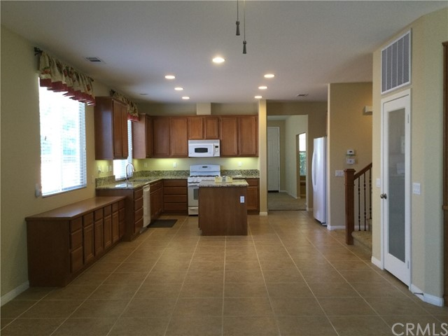 2052 Meridian Street, San Jacinto CA: http://media.crmls.org/medias/48b1c626-c8bb-4225-a572-8ec835739a00.jpg