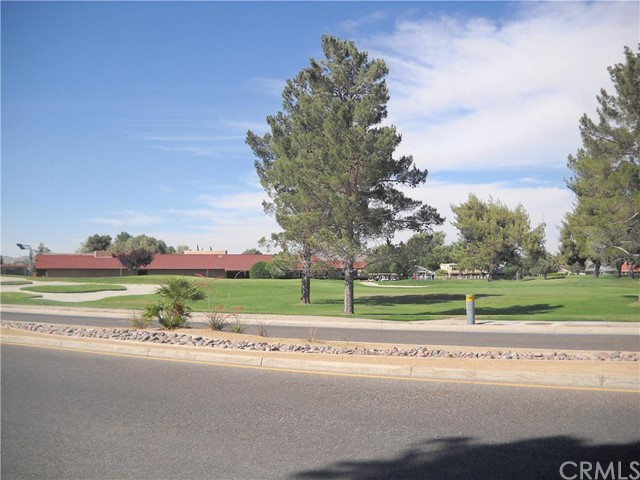 Additional photo for property listing at 13155 Autumn Leaves Avenue  Victorville, California 92395 United States