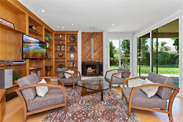 265 W Sonora Place, Claremont CA: http://media.crmls.org/medias/48c19ee8-e846-4ba5-afbc-e46faca48272.jpg