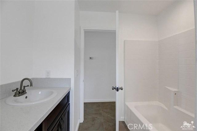 13062 Caliente Drive, Desert Hot Springs CA: http://media.crmls.org/medias/48c62eaa-8977-49ec-8305-468412d8474e.jpg
