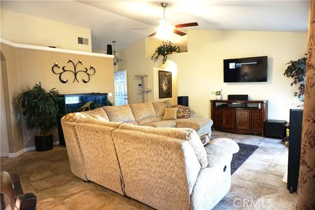 5467 N Delbert Avenue, Fresno CA: http://media.crmls.org/medias/48cae89d-ccf3-435d-bef3-c8e03c892aa1.jpg