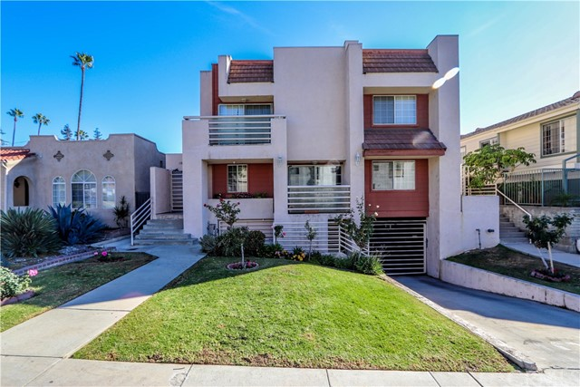 Detail Gallery Image 1 of 25 For 1164 Justin Ave #4,  Glendale,  CA 91201 - 3 Beds | 2/1 Baths