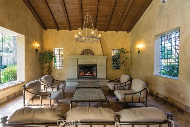 40 Gardenpath, Irvine CA: http://media.crmls.org/medias/48dde820-6ef9-48b9-9187-ae6137d23383.jpg