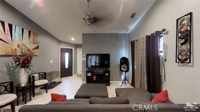 16465 Via el Rancho, Desert Hot Springs CA: http://media.crmls.org/medias/49127da4-308f-4f58-87c9-64bc37f7eec8.jpg