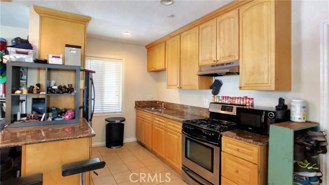 212 Catalina Avenue, Avalon CA: http://media.crmls.org/medias/493651b6-e5f9-48ad-8da3-4fe05cd69fc6.jpg
