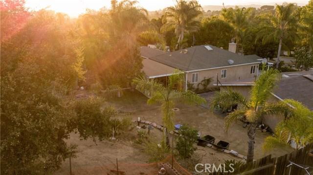1625 Gum Tree Lane, Fallbrook CA: http://media.crmls.org/medias/4953fc37-02d5-4171-83b9-beedcb55d20e.jpg