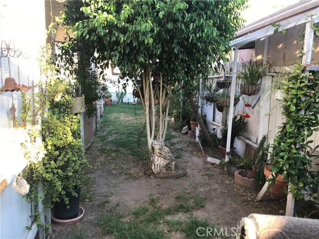 4901 Green River Road, Corona CA: http://media.crmls.org/medias/4960a7f2-6ea4-4e6d-8357-de9bd41928dd.jpg