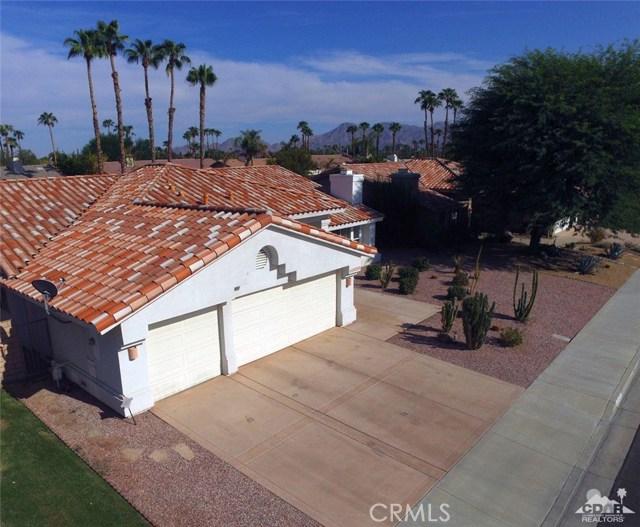 40620 Glenwood Lane, Palm Desert CA: http://media.crmls.org/medias/4968b750-e65f-43e9-b425-04043c230e6b.jpg
