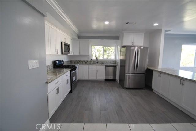 813 W Hughes Avenue, Montebello CA: http://media.crmls.org/medias/496978d0-2d29-4f0c-a8f2-6fa775bcdb31.jpg