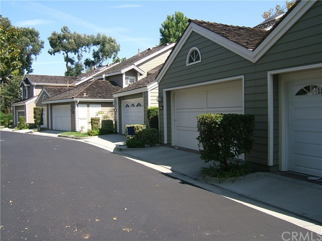 471 medford 102 Long Beach, CA 90803 is listed for sale as MLS Listing PW17075194