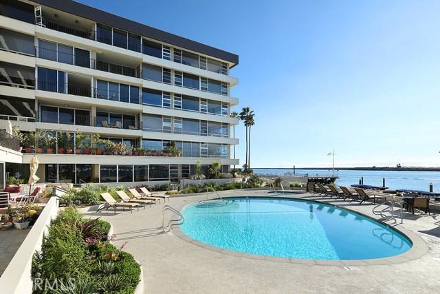 2525 Ocean Boulevard, Corona del Mar CA: http://media.crmls.org/medias/4978b558-2bb1-4ed8-ae79-bb08b9b66e1c.jpg
