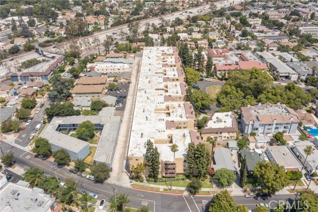 444 Piedmont Avenue, Glendale CA: http://media.crmls.org/medias/497f95a6-bc57-4719-9a32-c8ae1d8f05da.jpg