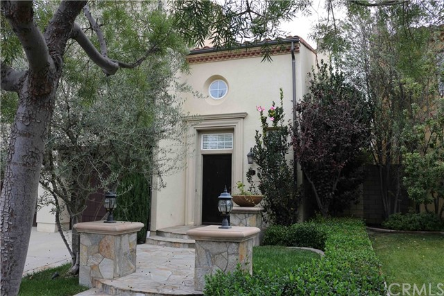 11 Waterspout, Irvine CA: http://media.crmls.org/medias/4982e5c8-e833-4a3d-ac37-3dfa57bfce1f.jpg