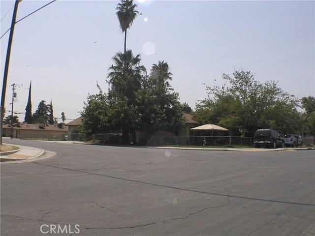 1231 LINCOLN Street, Bakersfield CA: http://media.crmls.org/medias/49965cf7-26c4-47b2-81d8-0935ec6a955d.jpg