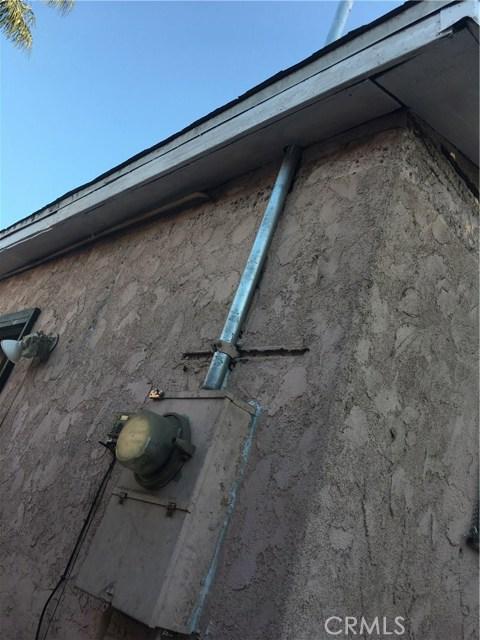 5725 S Budlong Av, Los Angeles, CA 90037 Photo 10