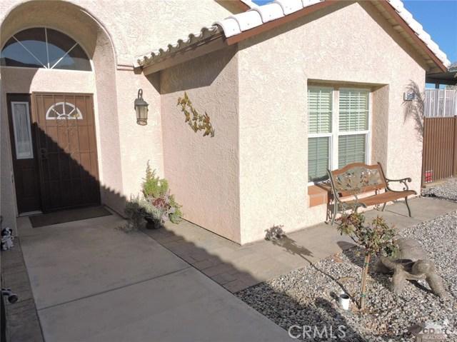 57130 Selecta Avenue, Yucca Valley CA: http://media.crmls.org/medias/49af6672-5621-4b68-85f6-2ea432b59d7f.jpg