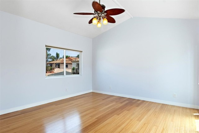 62 Saint Joseph Avenue, Long Beach CA: http://media.crmls.org/medias/49c2f336-2f9d-4fd3-983b-c8a952984bbb.jpg