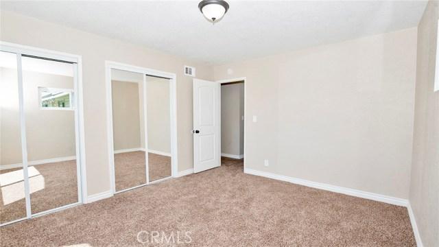 16241 Lassen Street, North Hills CA: http://media.crmls.org/medias/49c67aeb-6c0a-4080-a496-ff28c75ff472.jpg