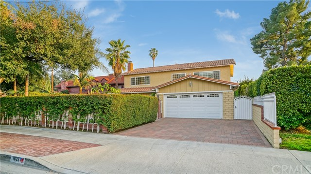 Single Family Home for Sale at 1622 W Oak Street 1622 W Oak Street Burbank, California 91506 United States