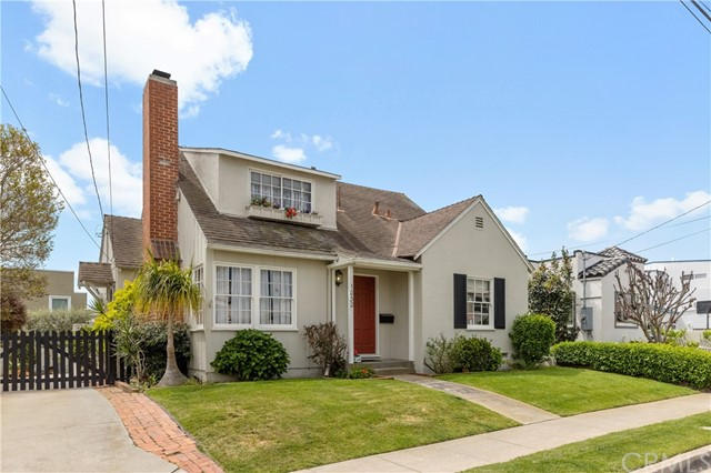 1032 8th Pl, Hermosa Beach, CA 90254 photo 2