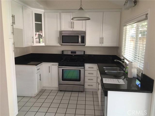 24 Osoberry Street, Rancho Santa Margarita CA: http://media.crmls.org/medias/49ddaa52-2d51-4708-b6f3-5e49d93f7bfe.jpg