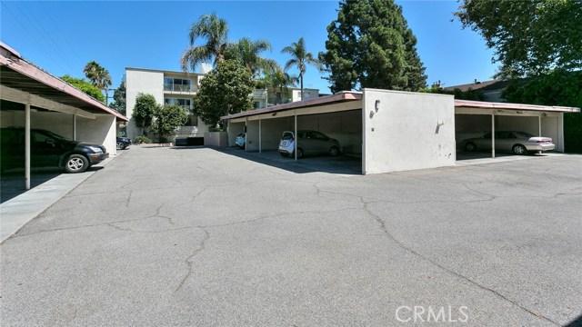 10240 Camarillo Street, Toluca Lake CA: http://media.crmls.org/medias/49f7a55e-b43c-487c-a7b3-a49db95ae9d5.jpg
