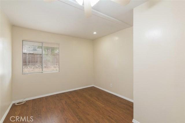 12471 Bryant Street, Yucaipa CA: http://media.crmls.org/medias/49fbccb4-b7ee-4474-80d5-05294e721a2a.jpg